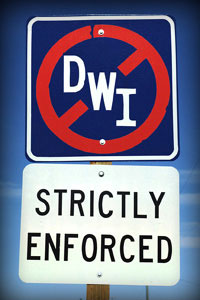 Street Sign Graphic - DWI with circle and diagonal line over it and strictly enforced on sign below